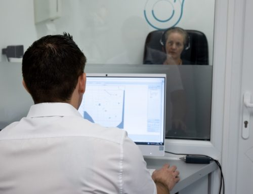 What happens during a hearing test at Beckenham Hearing?